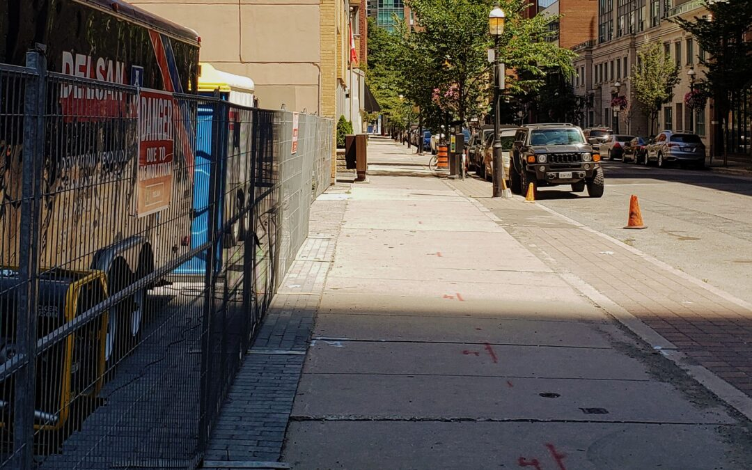 Hydrovac work resumes at the Saint construction site – sidewalk access to be restricted.